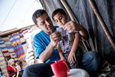 UNICEF/UKLA2012-00913/Karin Schermbrucker